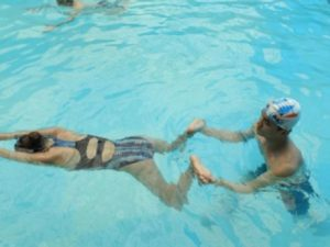 Bơi ếch là 1 trong các kiểu bơi cơ bản