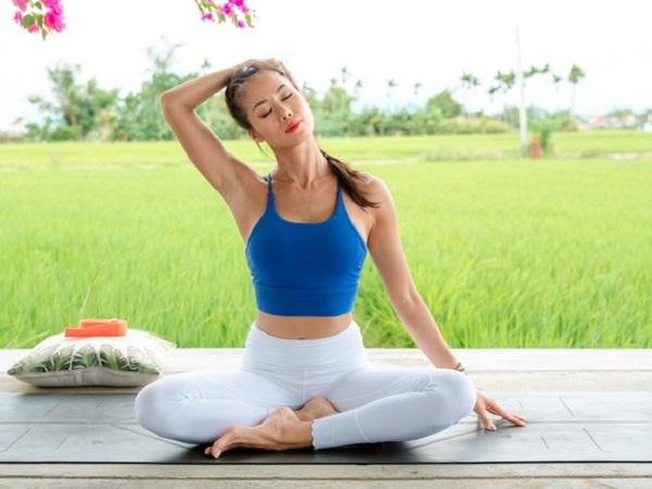 Hướng dẫn chọn trang phục tập yoga phù hợp và hiệu quả nhất